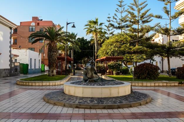 Avenida rambla dionisio gonz lez, las galletas, tenerife, marina del sur, port d'arona sur l'île de tenerife.