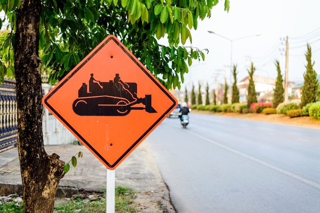 Avertissement de tracteur de construction