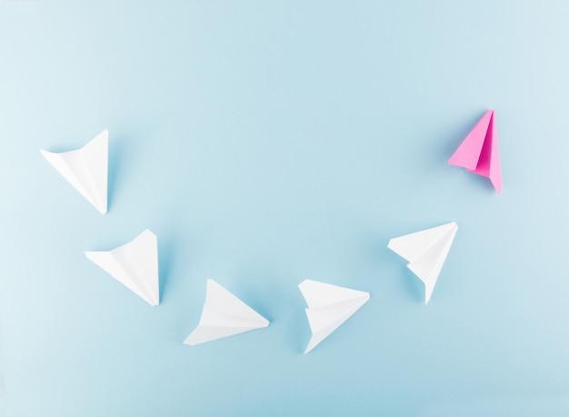 Avion en papier ou avion en papier