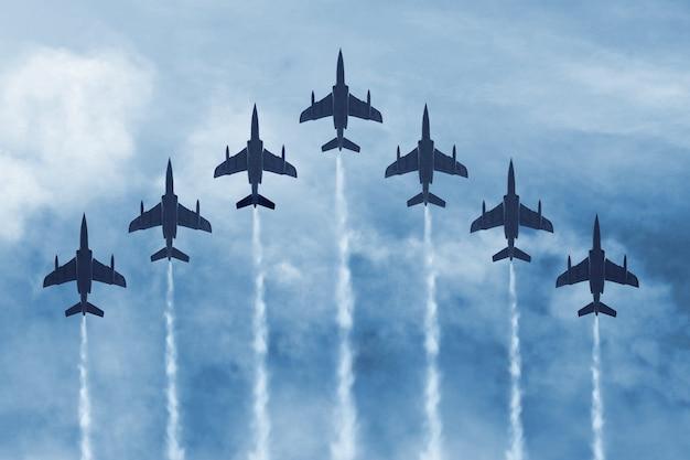 Avions militaires au combat
