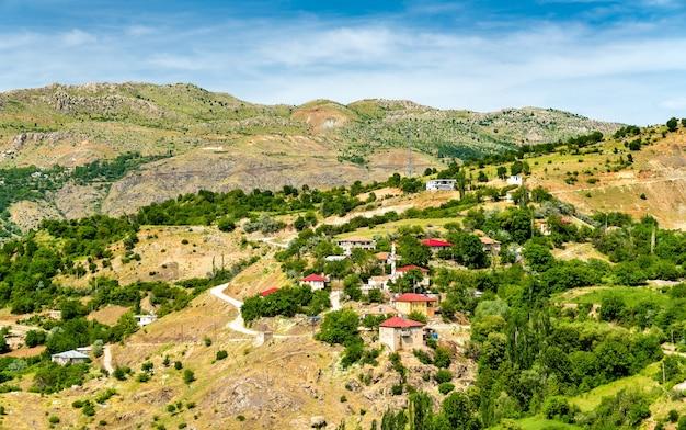 Avis de subasi village dans le sud-est des montagnes du taurus, turquie
