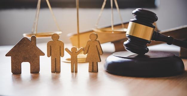 Avocat scales justice - concepts du droit sur les droits de l'homme