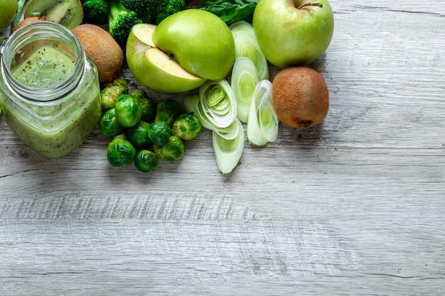 Avocats concombres pommes chou haricots kiwi oignons brocoli