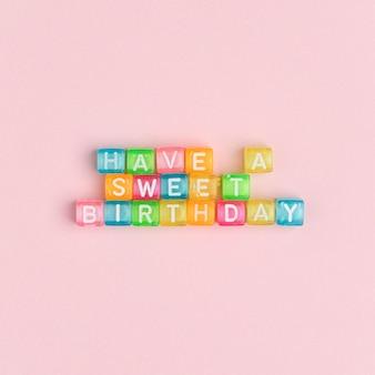 Avoir un anniversaire doux perles lettrage typographie de texte