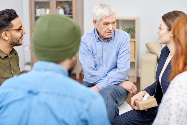 Avoir une thérapie psychologique au bureau confortable