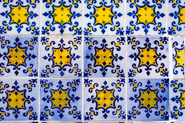 Azulejos, carreaux de céramique traditionnels portugais