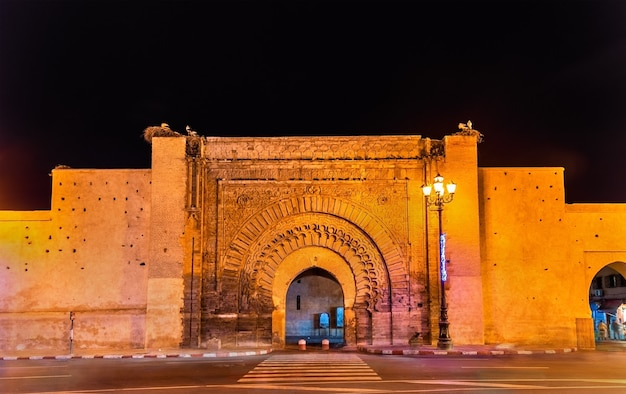 Bab agnaou, l'une des dix-neuf portes de marrakech - maroc