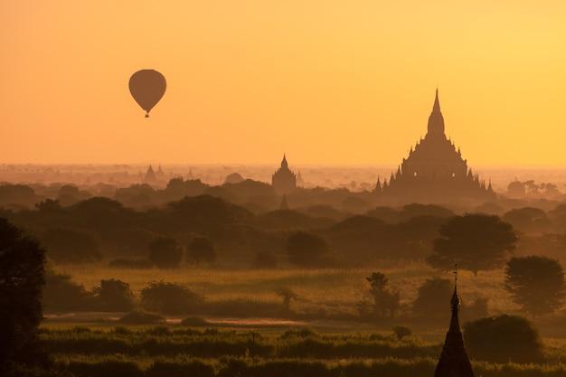 Bagan, Myanmar Photo Premium