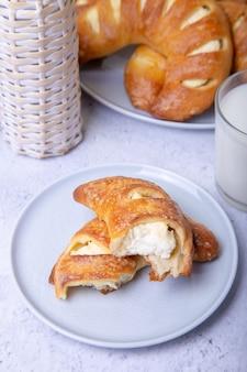 Bagels au fromage cottage. cuisson maison. fermer.