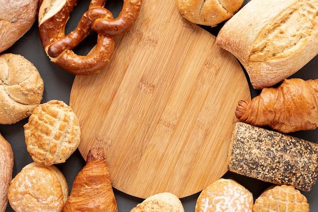 Bagels croissants et cadre de pain