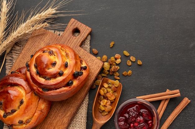 Bagels et raisins secs faits maison