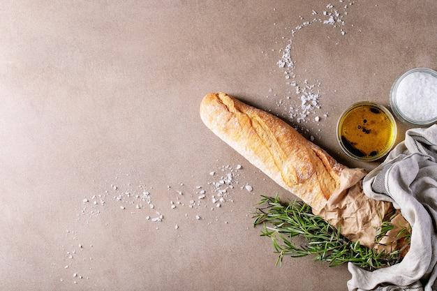 Baguette française au romarin