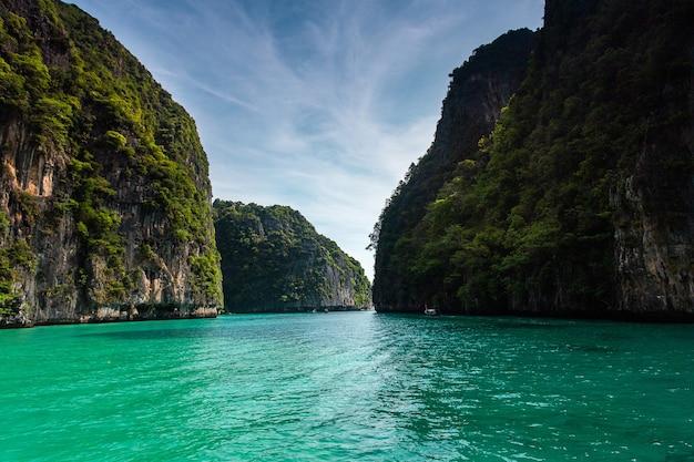Baie de maya île de phi phi leh, krabi thaïlande