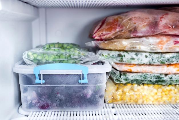 Baies et légumes congelés
