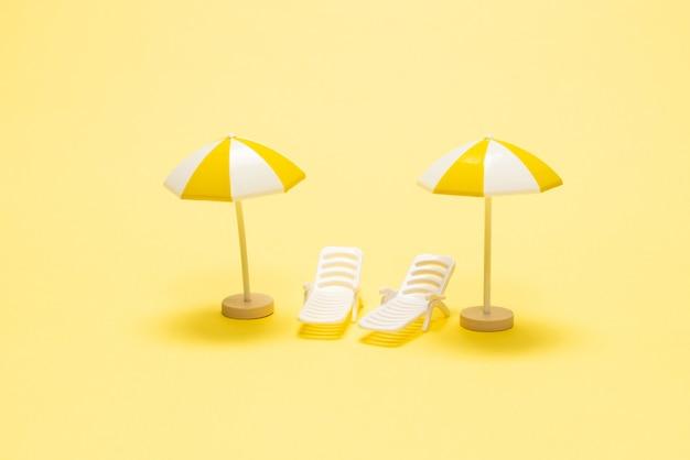 Bain de soleil et parasol jaune