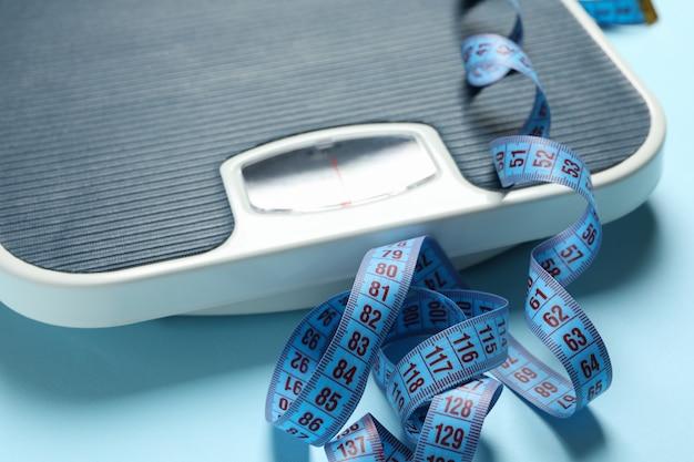 Balances et ruban à mesurer. concept de perte de poids