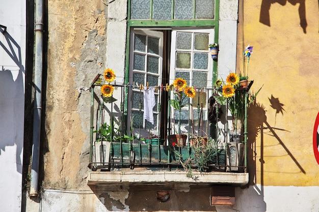 Le balcon dans la ville de lisbonne, portugal