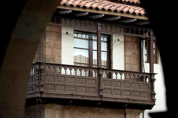 Balcon d'une maison, cuzco, pérou