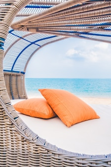 Balcon tropical vivant chaise île