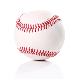 Balle de baseball sur blanc