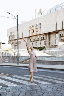 Ballerine dans la ville