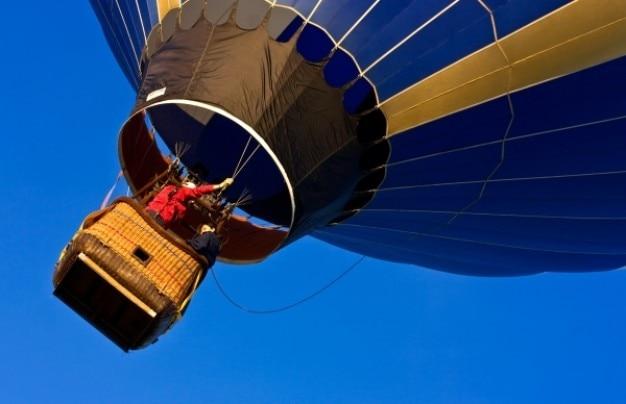 Ballon à air chaud près