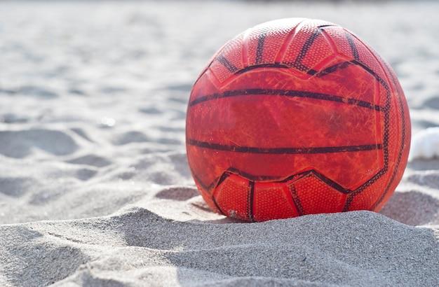 Ballon de foot orange