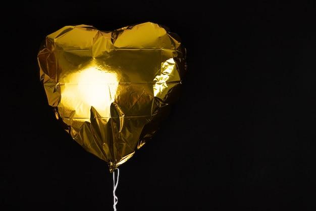 Ballon gonflable en forme de coeur de couleur dorée