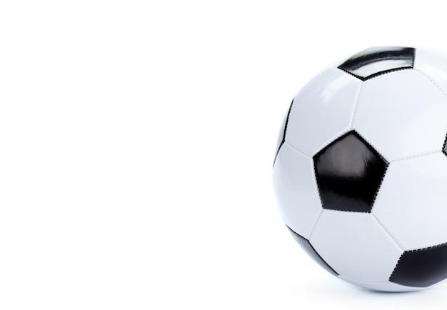 Ballon de soccer isolé sur blanc
