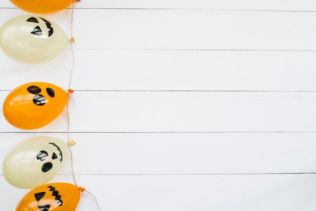 Ballons à air décoratifs avec des visages effrayants d'halloween