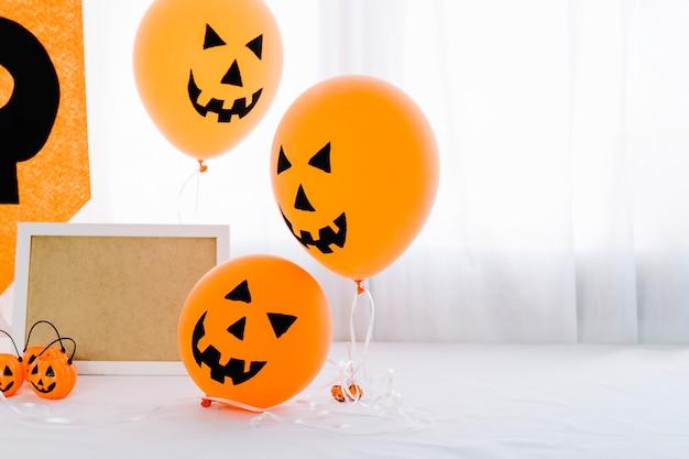 Ballons de citrouille d'halloween avec cadre