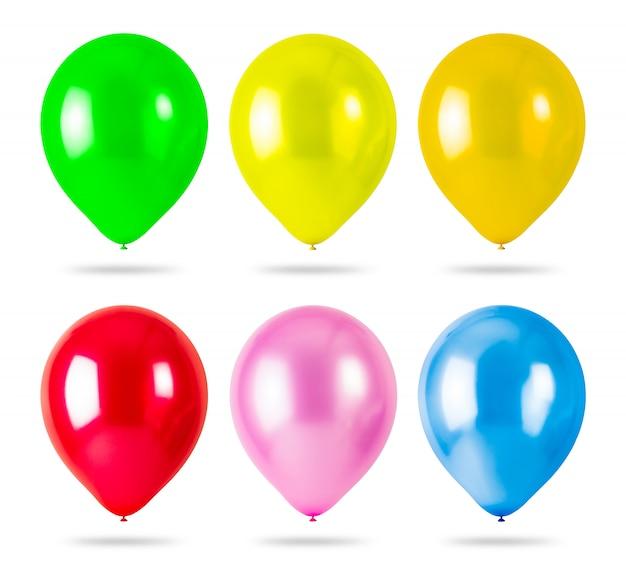 Ballons colorés isolés sur fond blanc