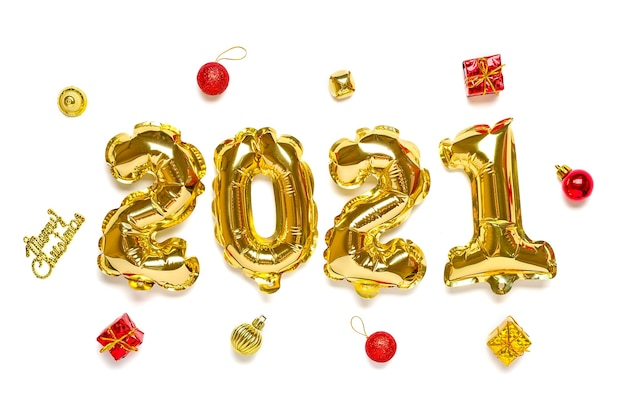 Ballons dorés en forme de chiffre 2021 isolé