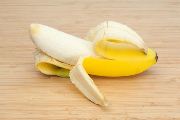 Banane épluchée