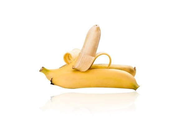 Banane jaune isolé sur fond blanc