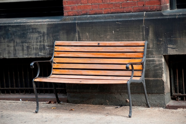 Banc vide dans la rue à boston, massachusetts, usa