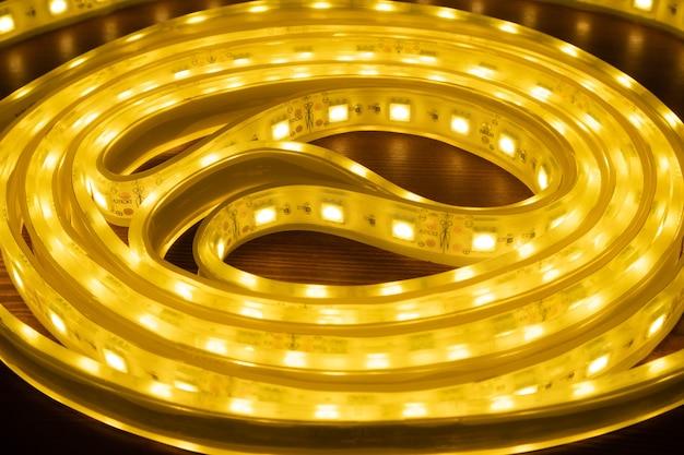 Bande lumineuse à led, bande de diode décorative se bouchent.