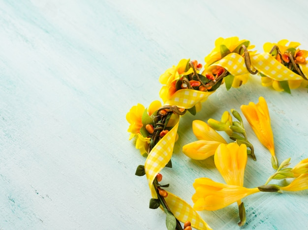 Bande de tête fille fleur jaune