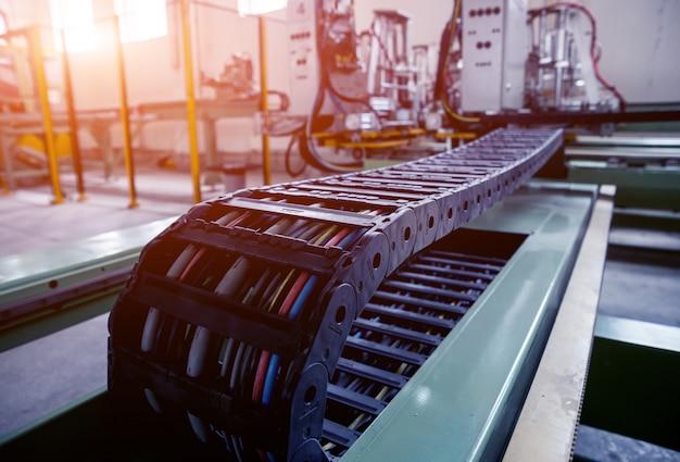 Bande transporteuse pour la production d'une vitre. équipement industriel.