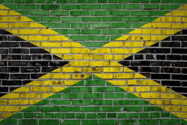 Bannière de drapeau sur le mur de briques.