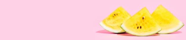 Bannière, tranches de pastèque jaune, fond