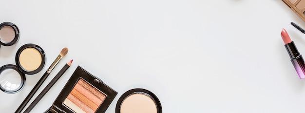 Bannière web avec des cosmétiques