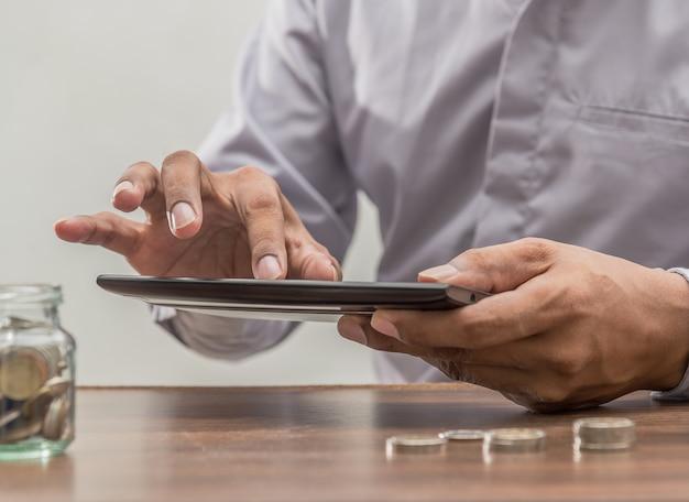 Banque en ligne et concept de banque mobile par internet banking