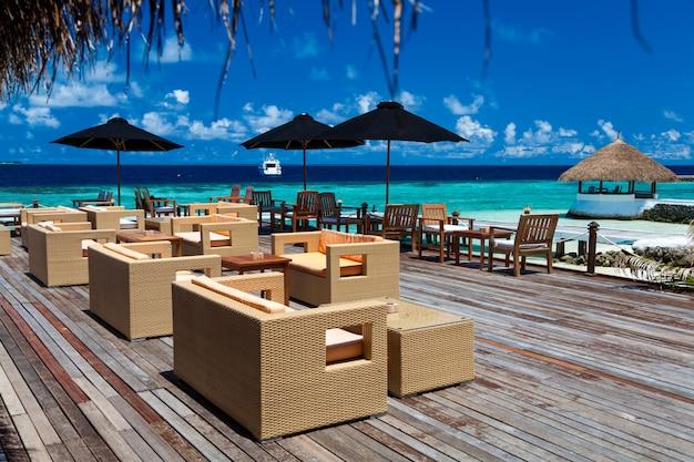 Un bar sur une île de vacances