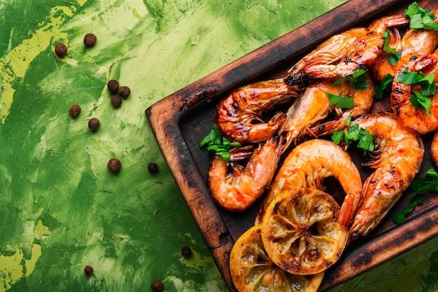 Barbecue de crevettes ou de crevettes