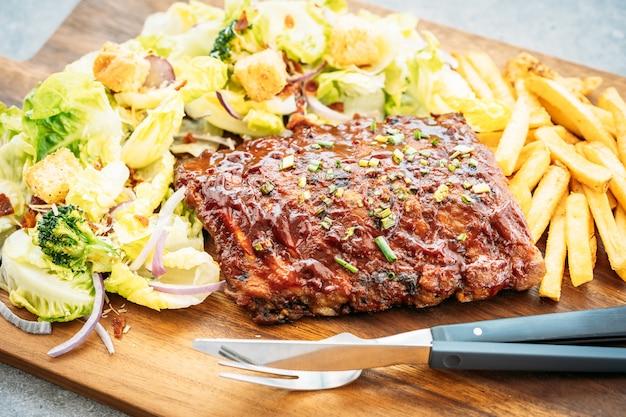 Barbecue de porc grillé