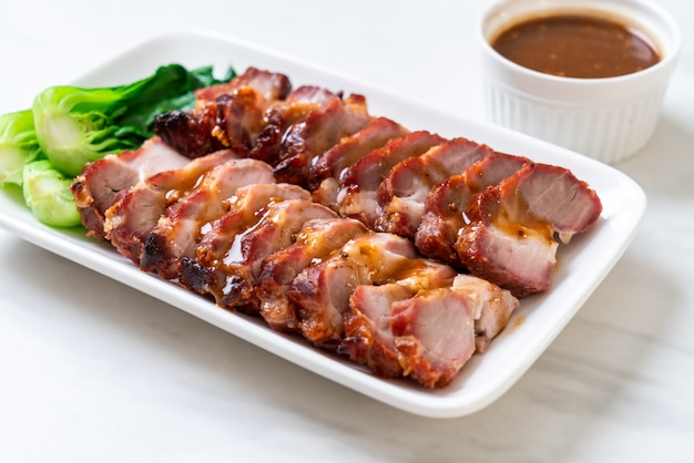 Barbecue de rôti de porc rouge
