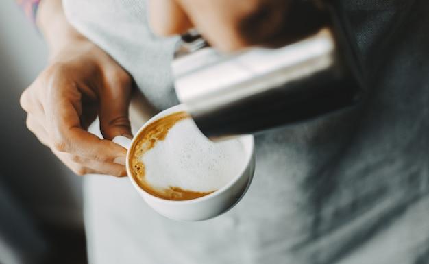 Barista en cappuccino classique