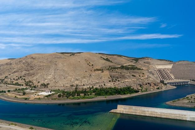 Barrage d'atatürk sur l'euphrate, turquie