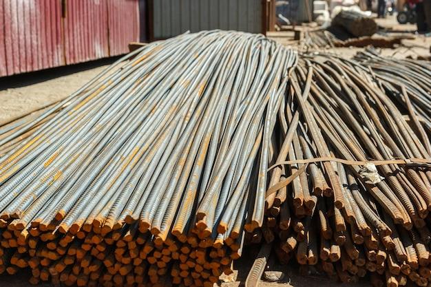 Barre d'armature en acier à vendre, barres d'armature pour travaux de construction en béton.